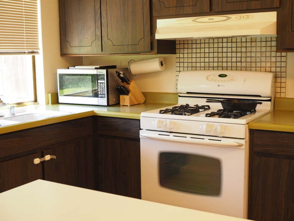 clutter free kitchen countertops for a more simple to clean and manage kitchen